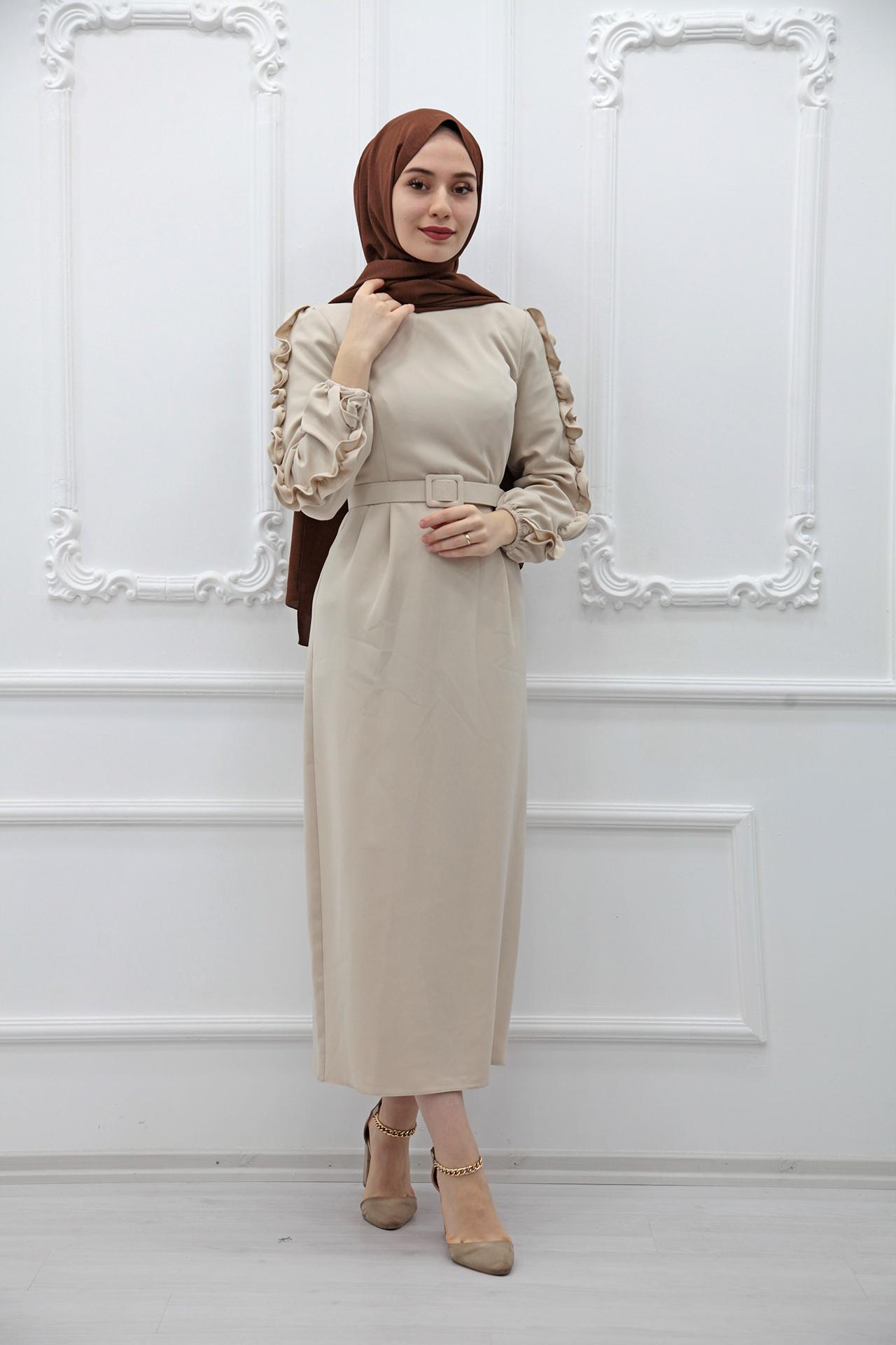GİZAGİYİM - Kolları Fırfırlı Elbise Bej