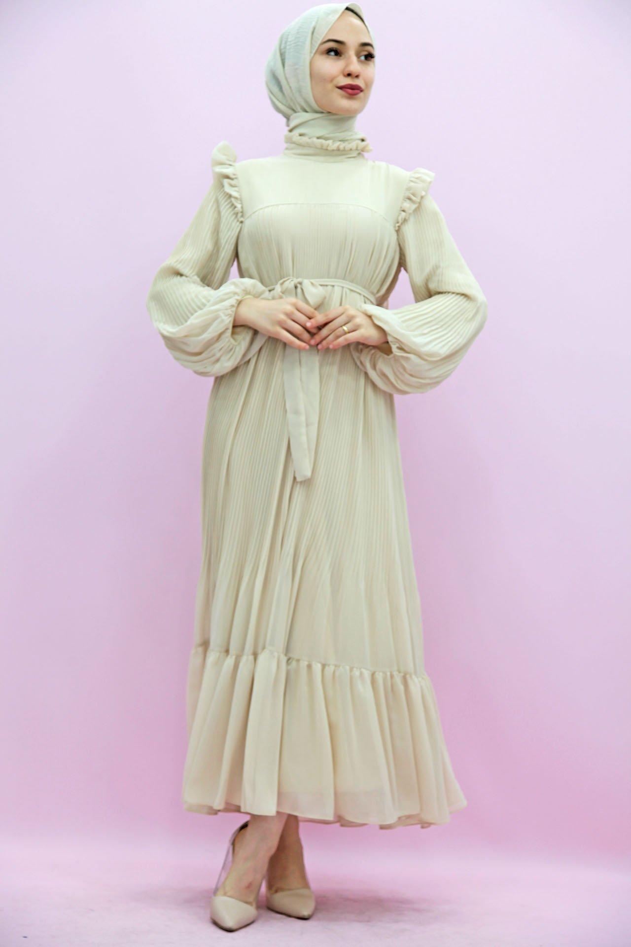 GİZAGİYİM - Omzu Fırfırlı Pilisoley Elbise Krem
