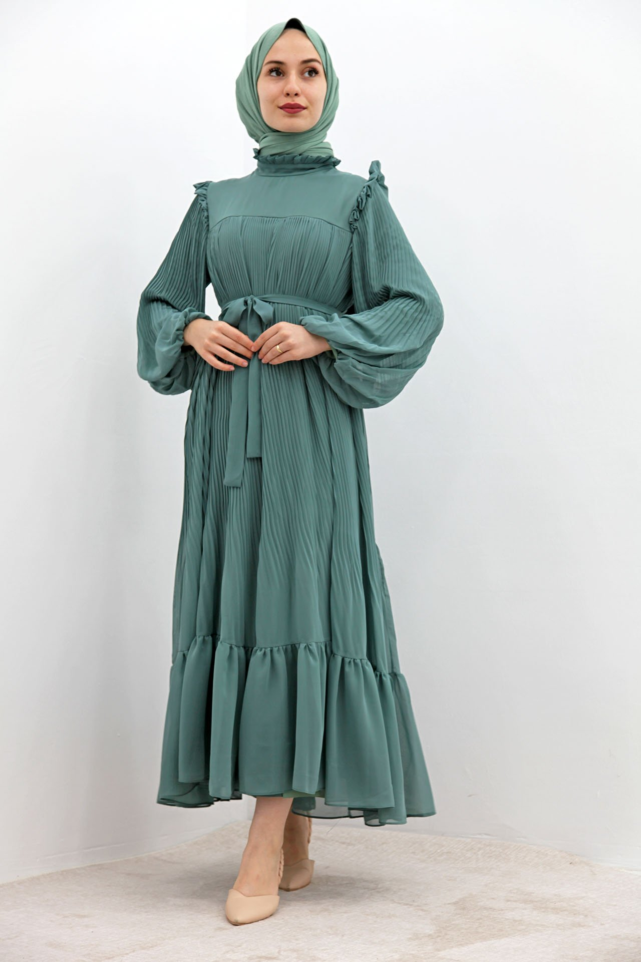 GİZAGİYİM - Omzu Fırfırlı Pilisoley Elbise Mint
