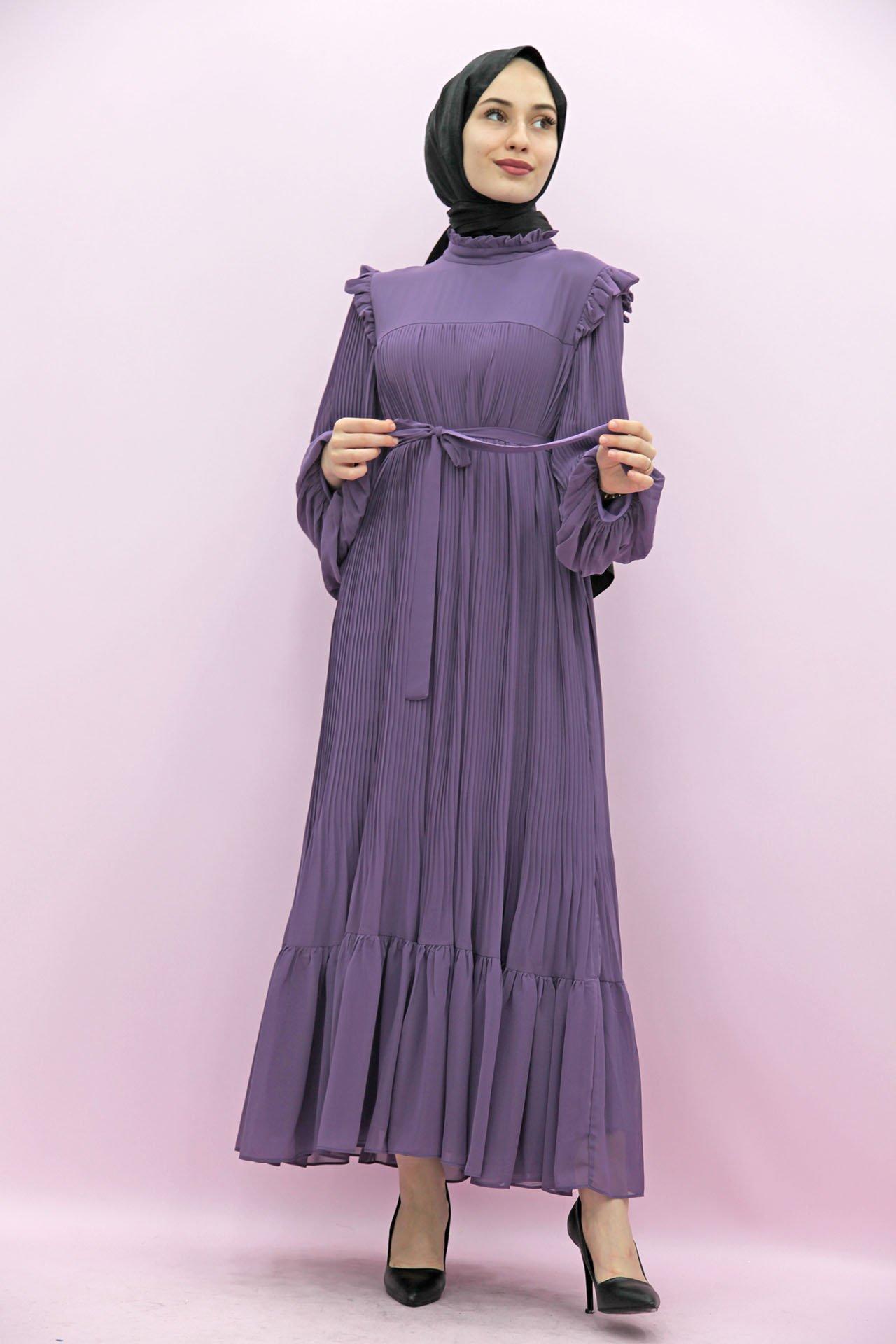 GİZAGİYİM - Omzu Fırfırlı Pilisoley Elbise Mor