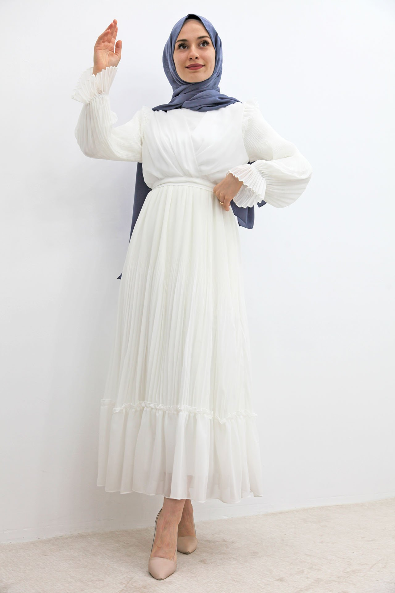 GİZAGİYİM - Önü Çapraz Piliseli Elbise Beyaz