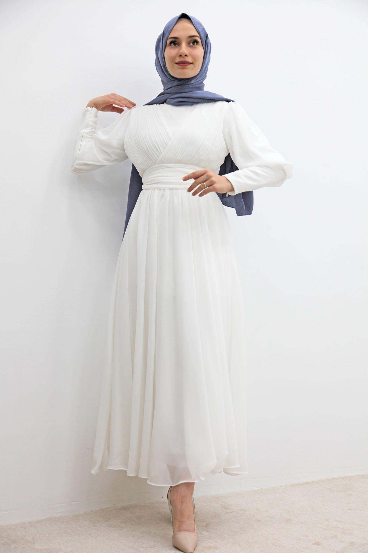 GİZAGİYİM - Kol Manşetli Piliseli Elbise Beyaz