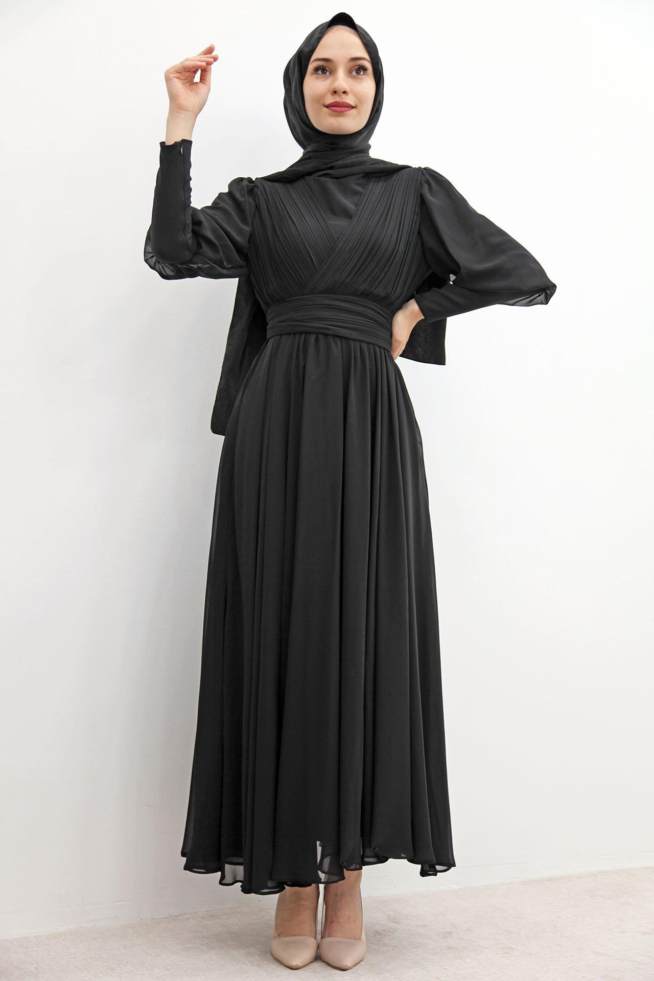 GİZAGİYİM - Kol Manşetli Piliseli Elbise Siyah