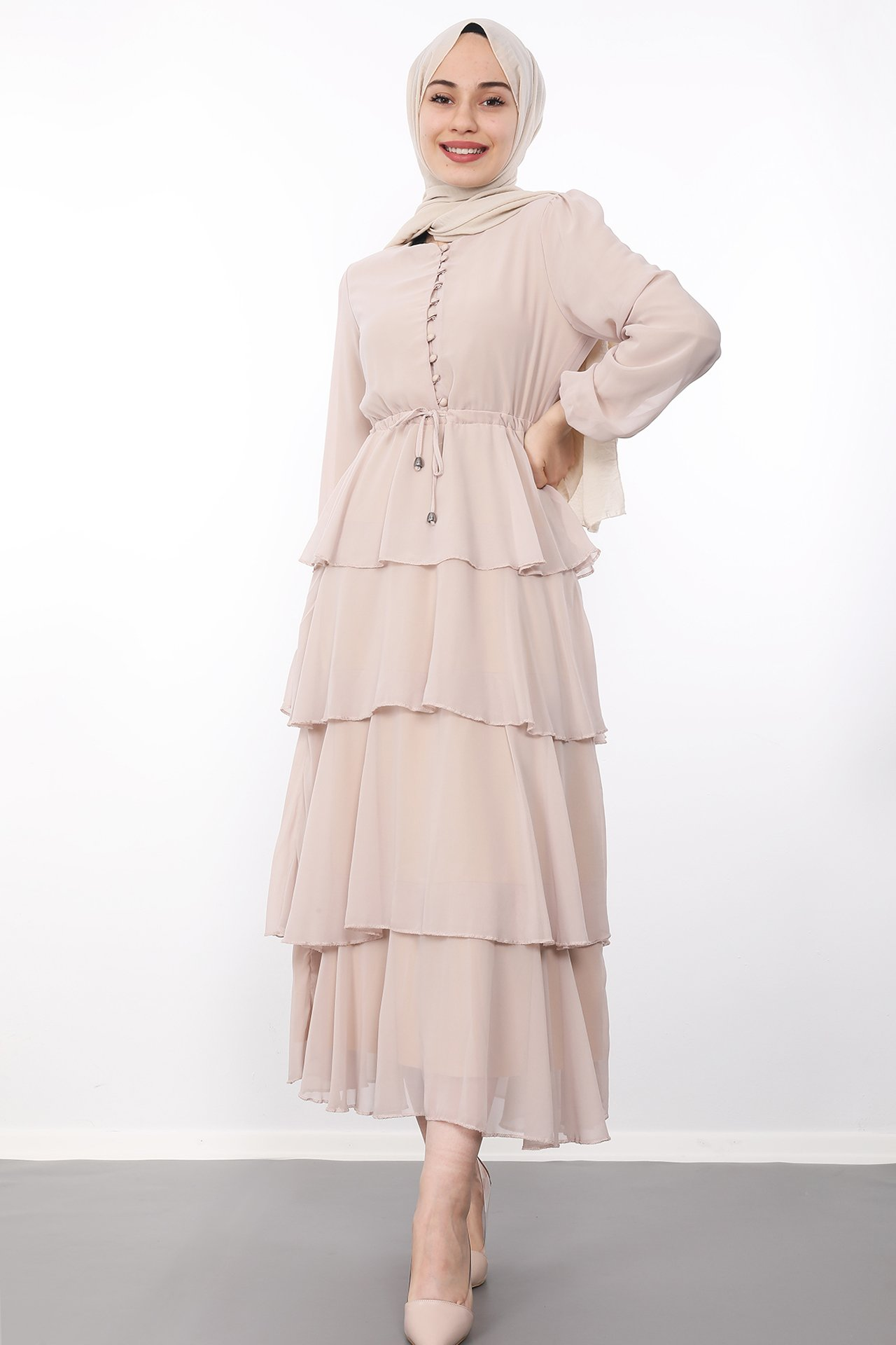 GİZAGİYİM - Önü Düğmeli Kat Kat Elbise Bej