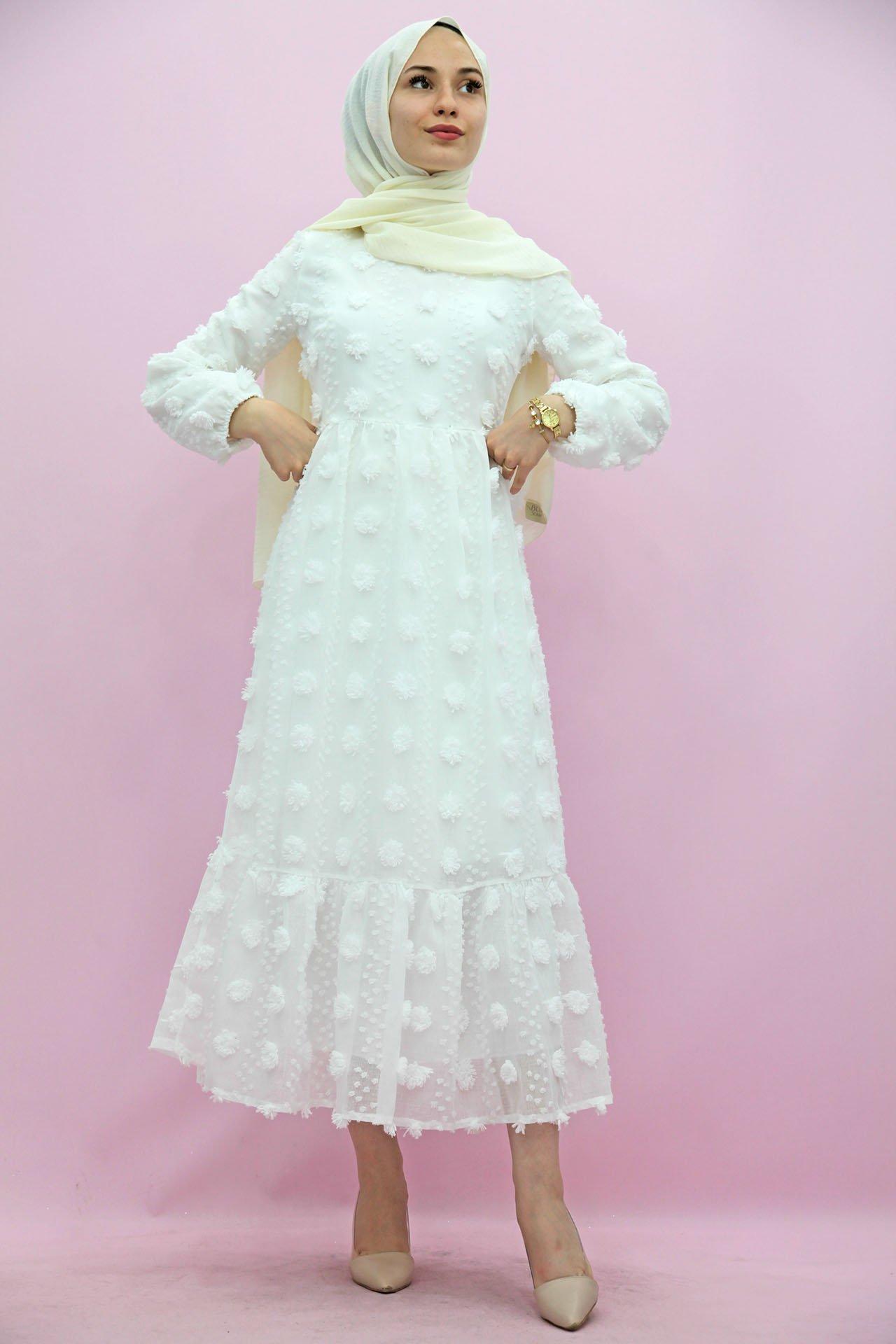 GİZAGİYİM - Belden Pileli İşlemeli Elbise Beyaz