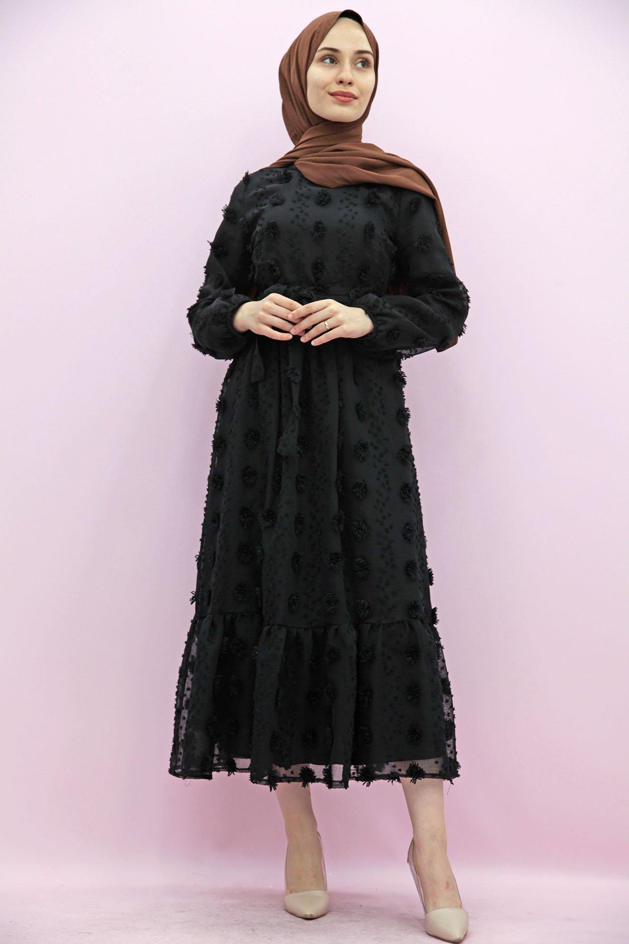 GİZAGİYİM - Belden Pileli İşlemeli Elbise Siyah