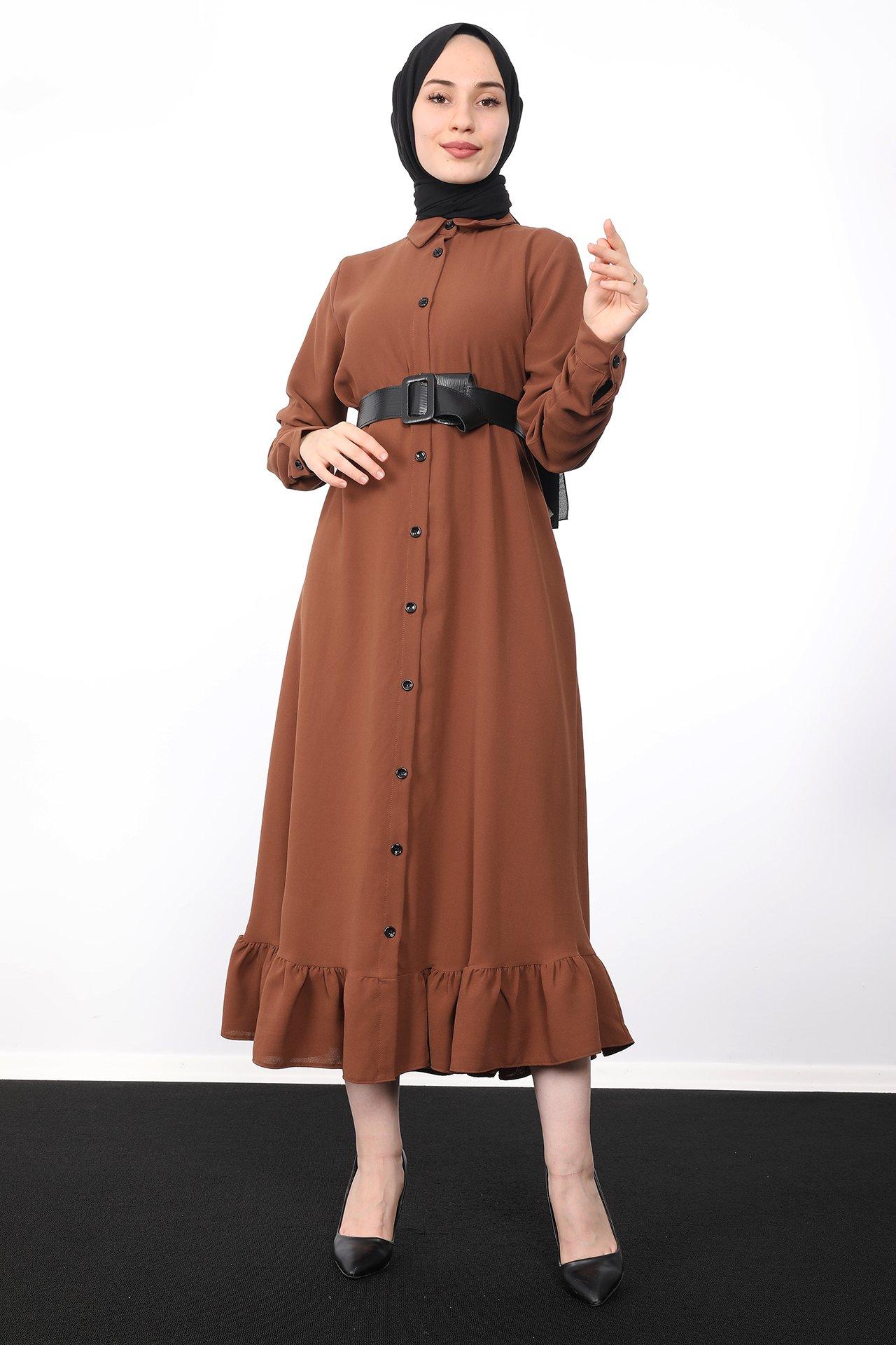 GİZAGİYİM - Altı Fırfırlı Düğmeli Tesettür Elbise Kahve
