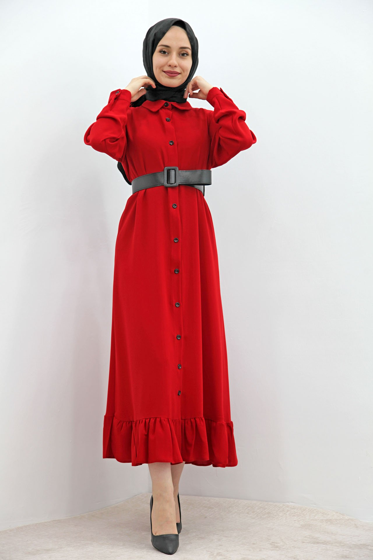GİZAGİYİM - Altı Fırfırlı Düğmeli Tesettür Elbise Kırmızı