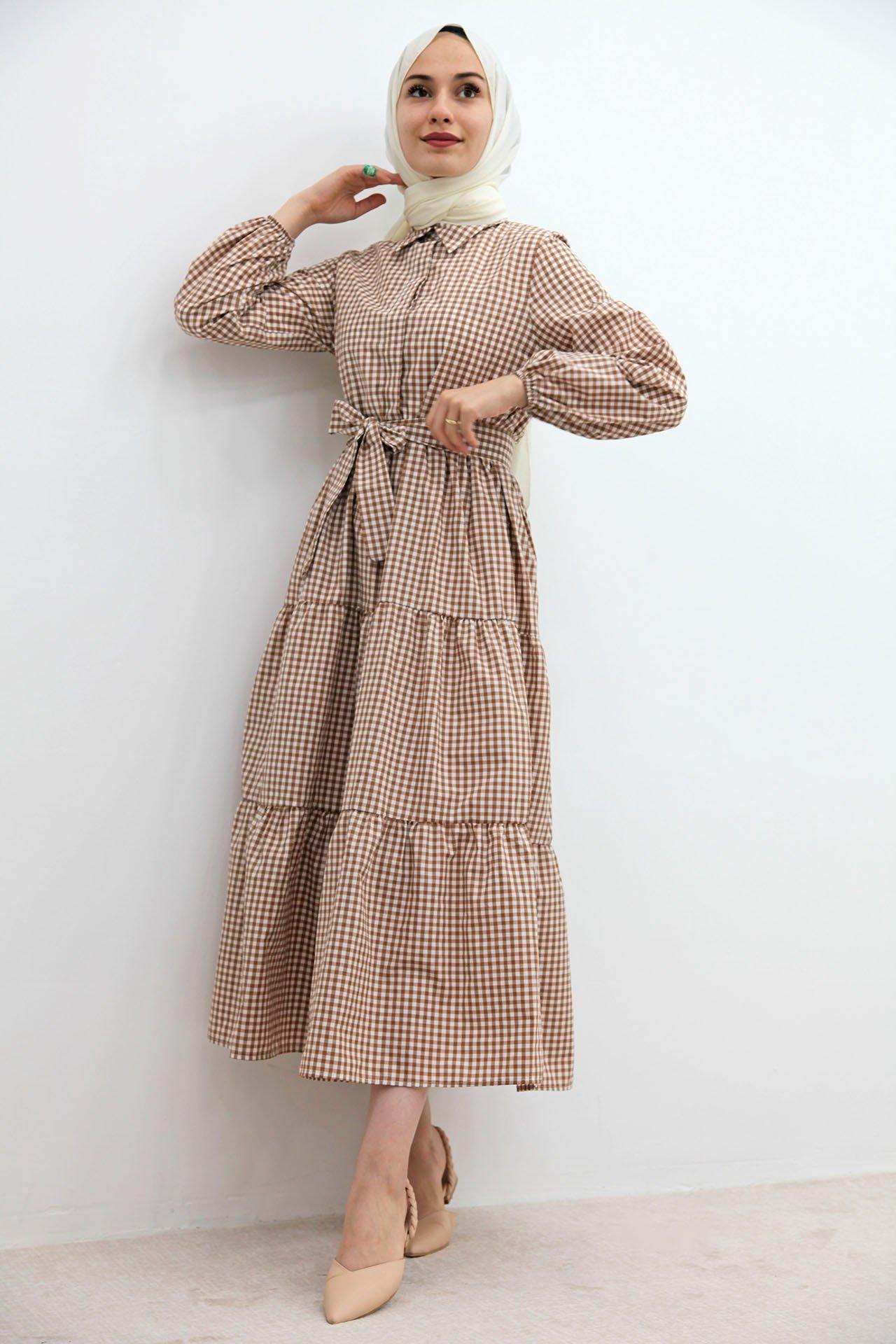 GİZAGİYİM - Önü Düğmeli Pötikare Elbise Kahverengi