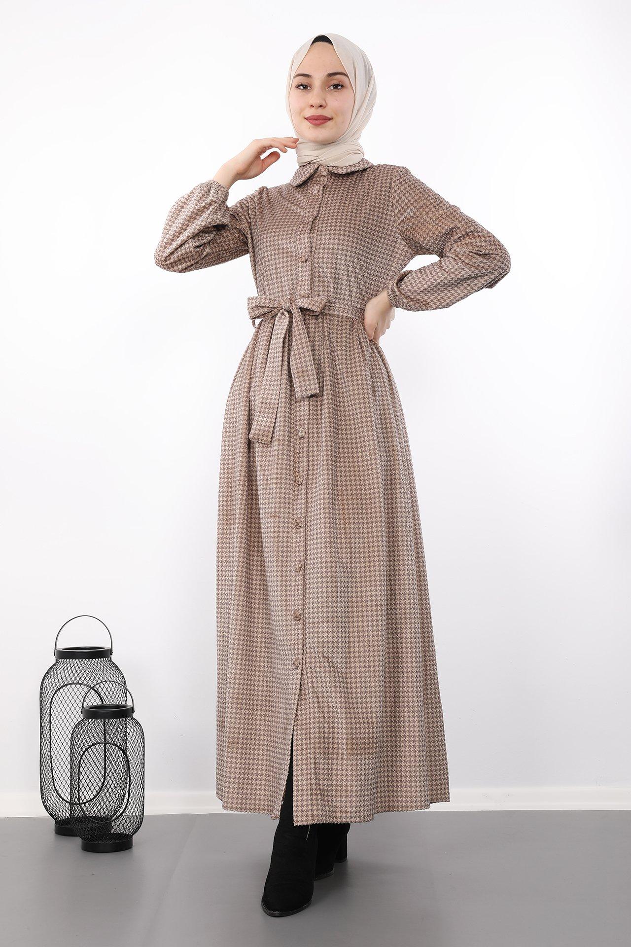 GİZAGİYİM - Tam Boy Düğmeli Elbise Vizon