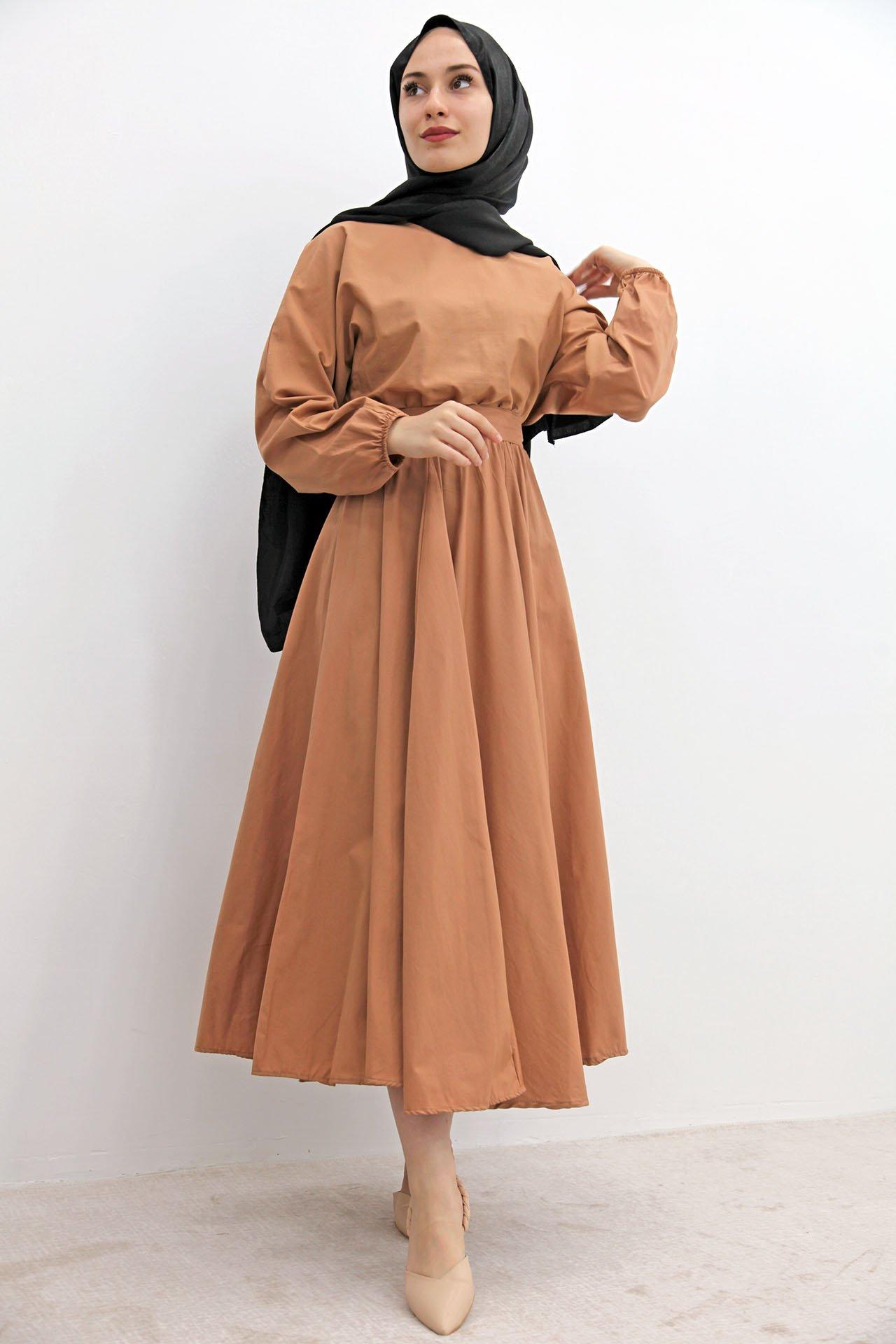 GİZAGİYİM - Beli Lastikli Kloş Tesettür Elbise Bisküvi