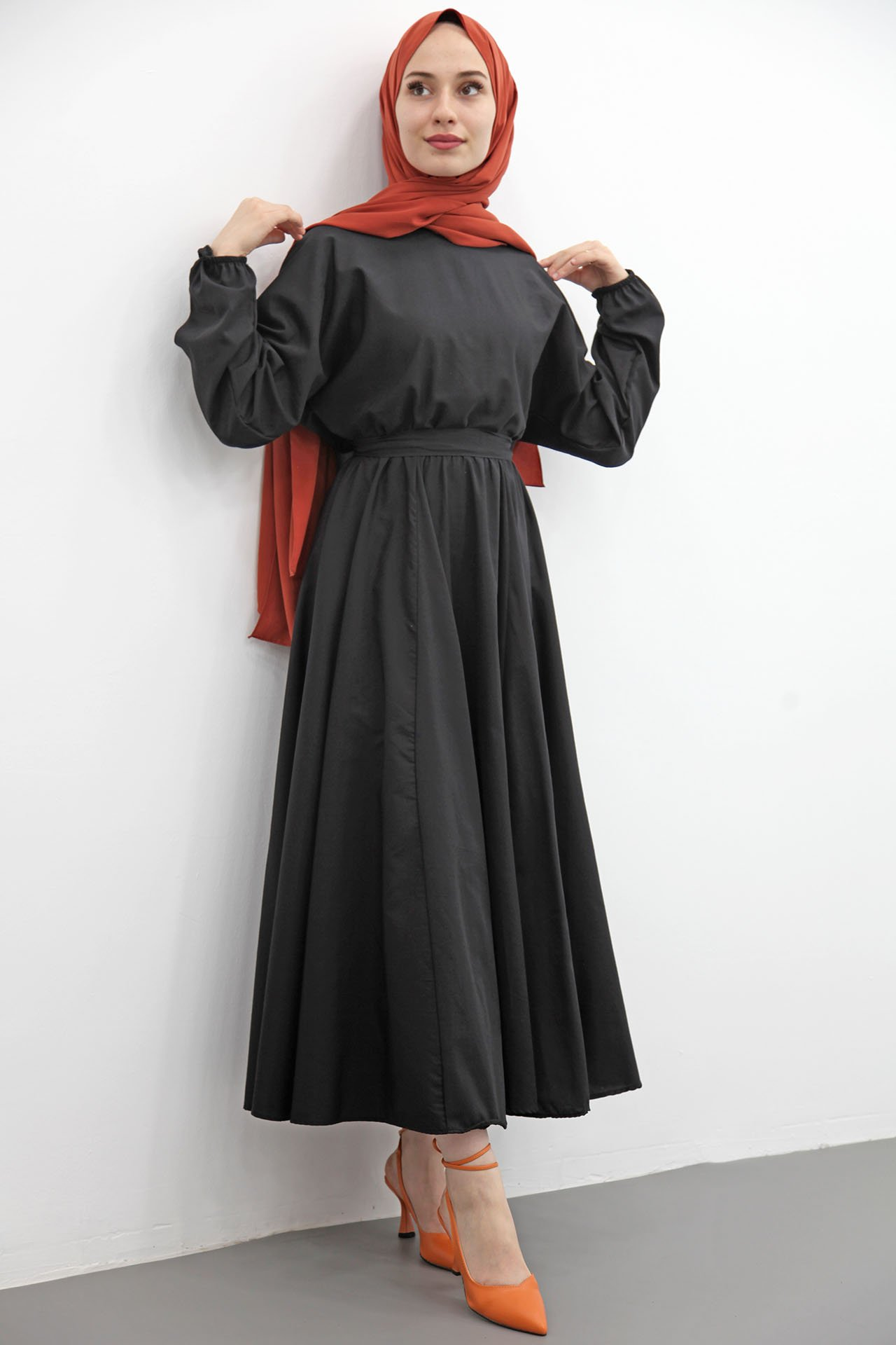 GİZAGİYİM - Beli Lastikli Kloş Tesettür Elbise Siyah