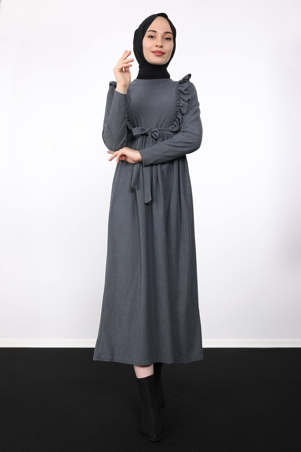 GİZAGİYİM - Önü Fırfırlı Kadife Elbise Gri