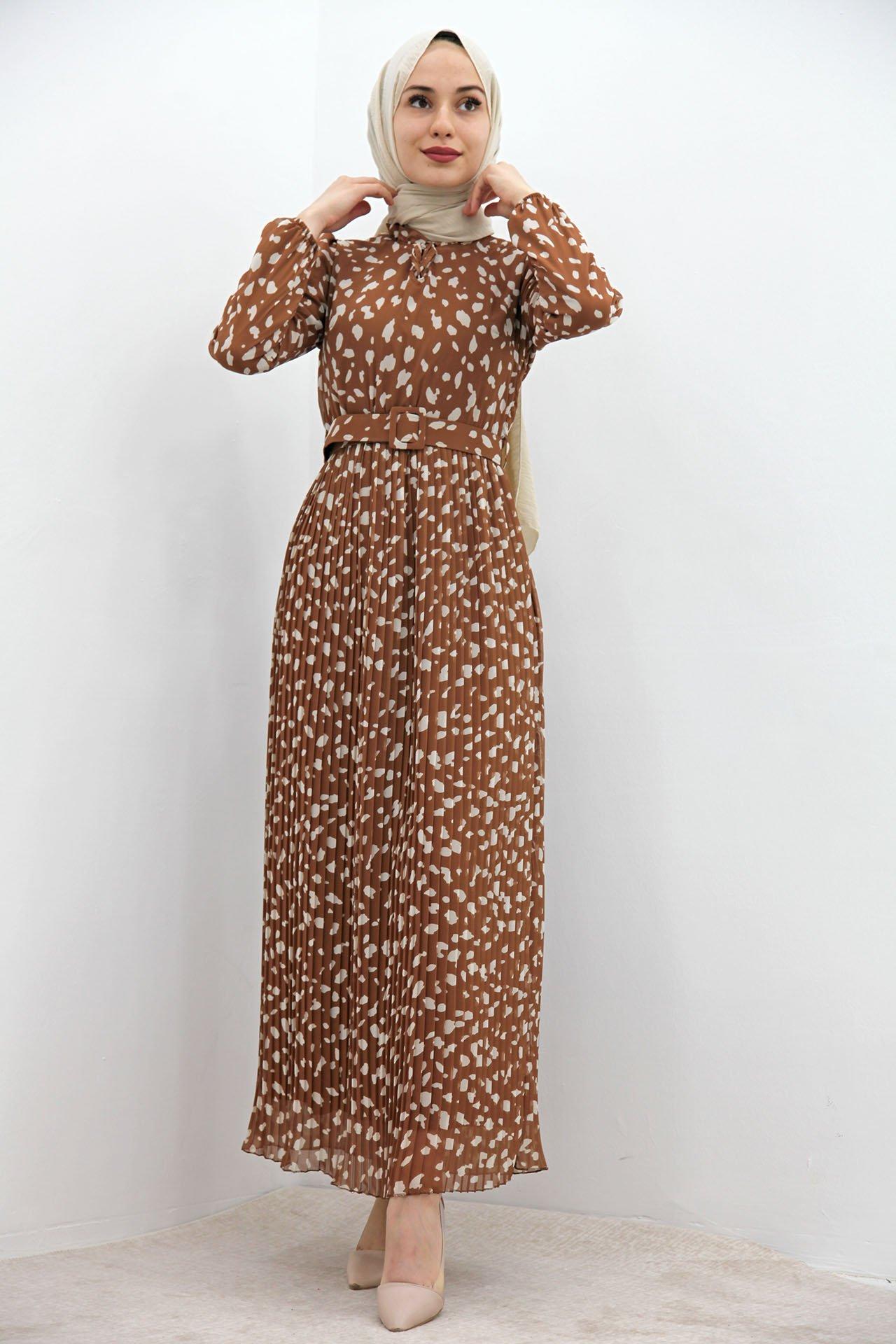GİZAGİYİM - Boyun Fırfırlı Pilisoley Elbise Kahve